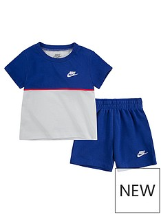 nike-younger-boys-color-blocked-short-sleeve-t-shirt-and-shorts-2-piece-set-blue
