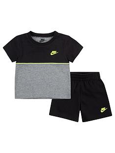 nike-younger-boys-color-blocked-t-shirt-and-shorts-2-piece-set-blackgrey