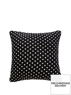 tess-daly-polka-knit-cushion