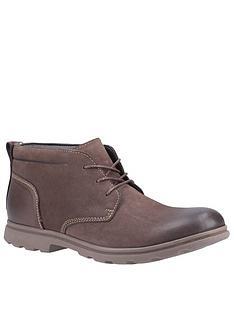hush-puppies-tyson-leather-chukka-boots