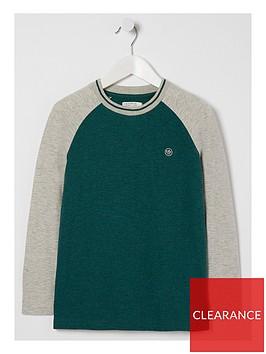 fatface-boys-long-sleeve-contrast-raglan-t-shirt-ecru