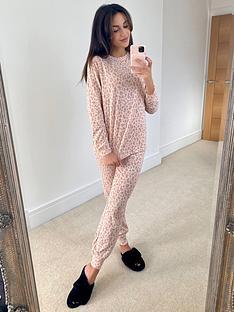 michelle-keegan-soft-touch-slouchy-pyjama-set-animal