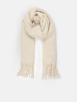 missguided-super-fluffy-brushed-scarf