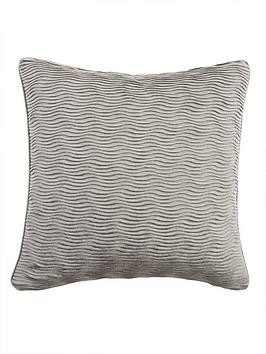 velvet-wave-cushion