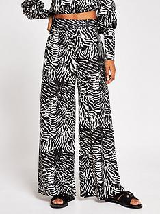river-island-crinkle-jersey-wide-leg-trouser-animal-print