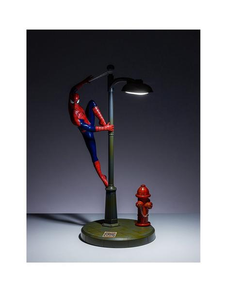 marvel-spiderman-lamp