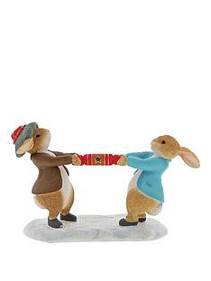 peter-rabbit-peter-rabbit-benjamin-pulling-a-cracker