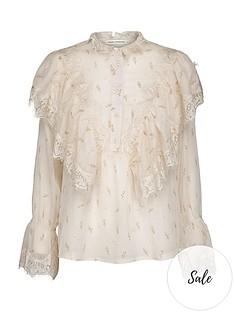sofie-schnoor-ruffled-blouse-off-white