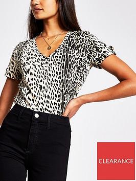 river-island-animal-print-v-neck-button-shoulder-t-shirt-print