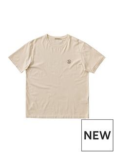 nudie-jeans-badge-logo-t-shirt-beigenbsp