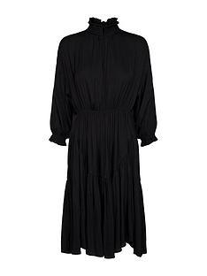sofie-schnoor-34-sleeve-smock-midi-dress-black