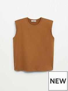 mango-padded-shoulder-t-shirt-brown
