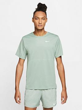 nike-running-breathe-t-shirt