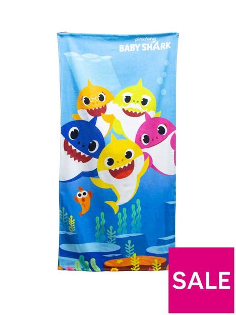 baby-shark-underwater-towel