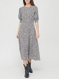 v-by-very-shortnbspsleeve-crepe-midi-dress-heart-printnbsp