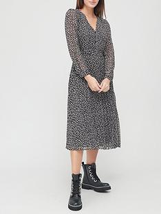 v-by-very-georgette-v-neck-pleated-midi-dress-black