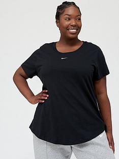 nike-nswnbspessential-lbr-t-shirt-black