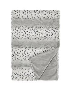 downland-everyday-snow-leopard-throw