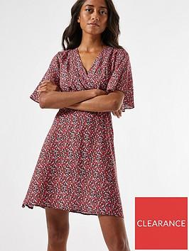 dorothy-perkins-petite-ditsy-shirred-waist-dress--nbspred
