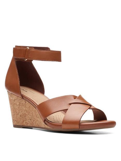 clarks-margee-gracie-leather-wedge-sandal--nbsptan
