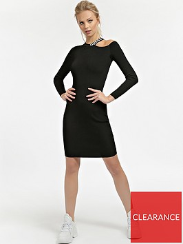 guess-logo-cut-out-neckline-knitted-dress-black