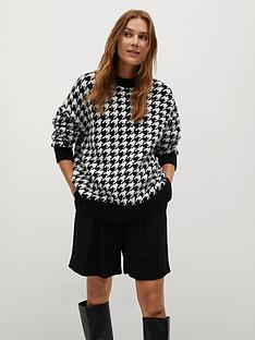 mango-dogtooth-check-jumper-black