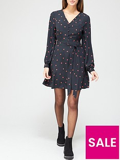 v-by-very-button-down-tie-waist-tea-dress-heart-print