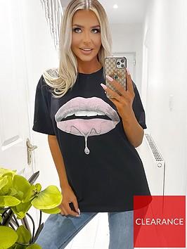ax-paris-pink-lips-t-shirt-black