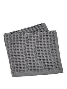perri-home-waffle-bath-towel-charcoal