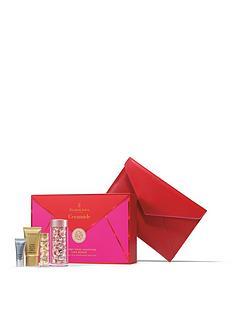 elizabeth-arden-retinol-ceramide-60-caps-4-piece-gift-set
