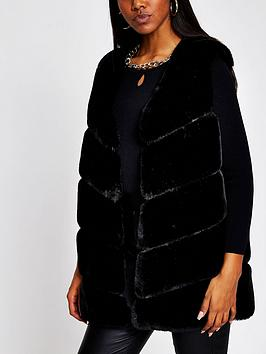 river-island-faux-fur-panelled-gilet-black