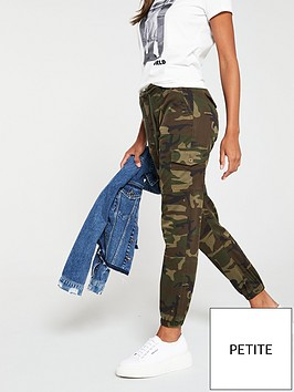 v-by-very-short-camouflage-print-cargo-jogger-camo