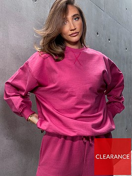 in-the-style-in-the-style-x-megan-mckenna-berry-oversized-boyfriend-fit-sweatshirt