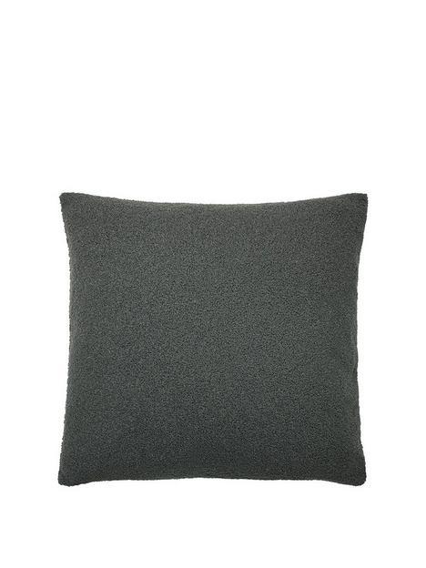 riva-home-malham-fleece-cushion
