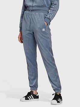 adidas-originals-relaxed-risque-velour-slim-joggers-lilac