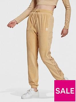 adidas-originals-relaxed-risque-velour-slim-joggers-beige