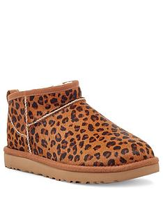 ugg-classic-ultra-mini-ankle-boot-leopard