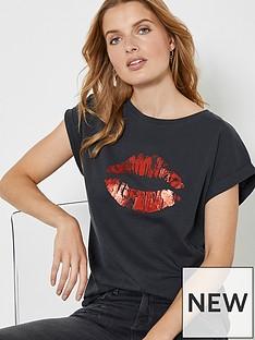 mint-velvet-lips-printnbspt-shirt-grey