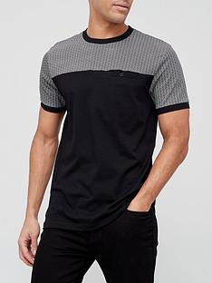 very-man-cut-and-sew-geo-printed-t-shirt-black
