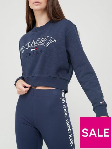 tommy-jeans-crop-college-logo-sweatshirt-navy