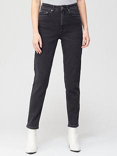 gestuz-astrid-high-waisted-slim-jeans-washed-black