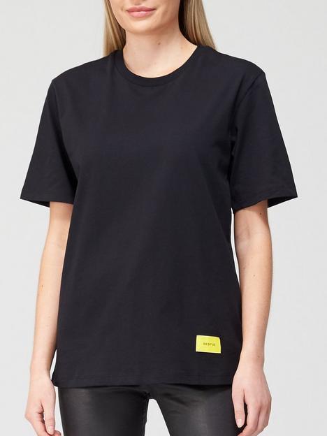 gestuz-liv-classic-fit-t-shirt-black