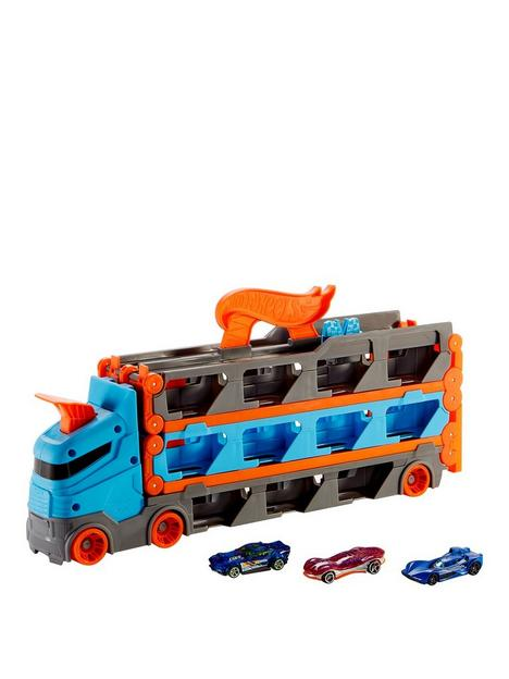 hot-wheels-speedway-hauler-carrier-with-3-toy-cars