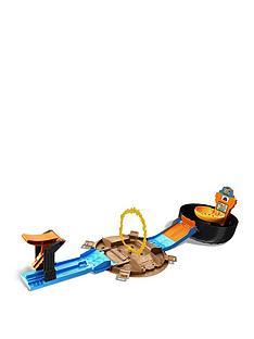 hot-wheels-hot-wheels-monster-trucks-stunt-tire-playset