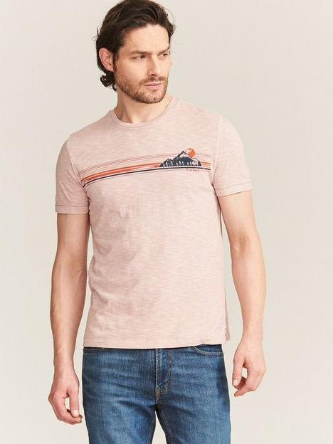 fatface-fat-face-70s-chest-graphic-t-shirt