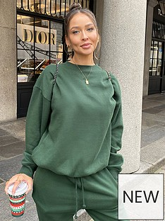 in-the-style-in-the-style-x-naomi-genes-green-oversized-boyfriend-fit-sweatshirt