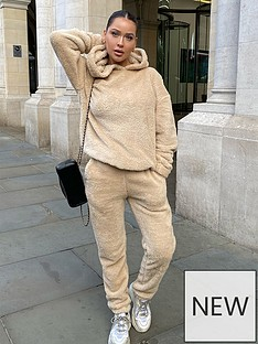 in-the-style-in-the-style-x-naomi-genes-stone-teddy-fur-cuffed-joggers