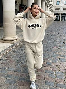 in-the-style-in-the-style-x-naomi-genes-cream-loopback-straight-leg-joggers