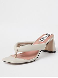 river-island-toe-thong-block-heel-sandal-cream
