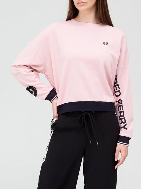 fred-perry-sleeve-logo-crop-sweat-pink